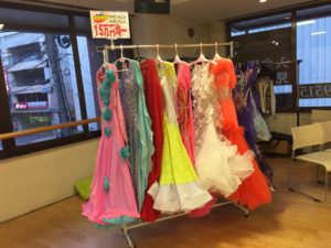 ドレス販売会1